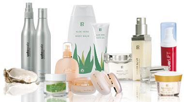 Hochwertige Kosmetikprodukte kommen beim Schminkkurs zum Einsatz.
