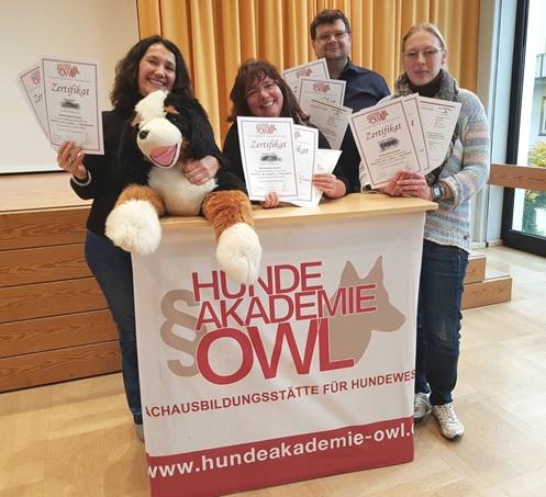 Tiernothilfe Siebenbürgen eV Zertifzierung durch Hundeakademie Owl Steinhagen